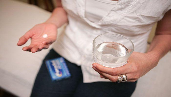 Прием болеутоляющих средств при болезненности сосков не рекомендуется без назначений врача