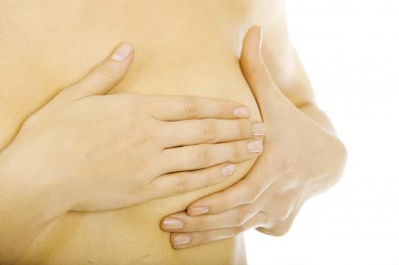 зуда груди у женщин